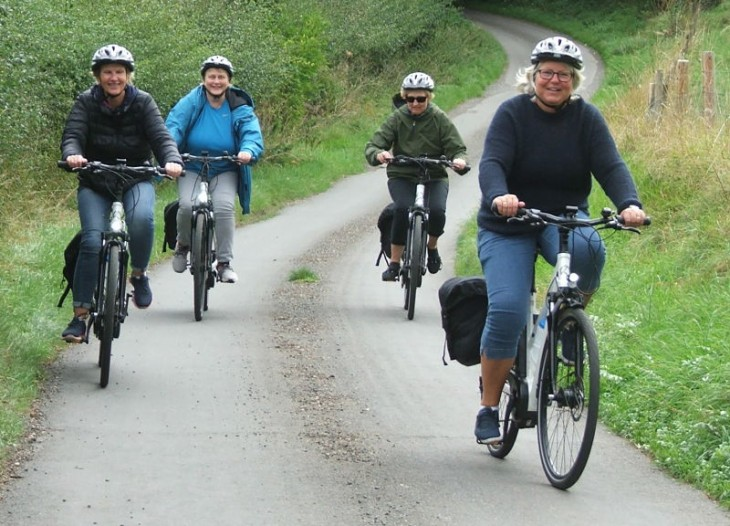 Cycling along the Coln valley