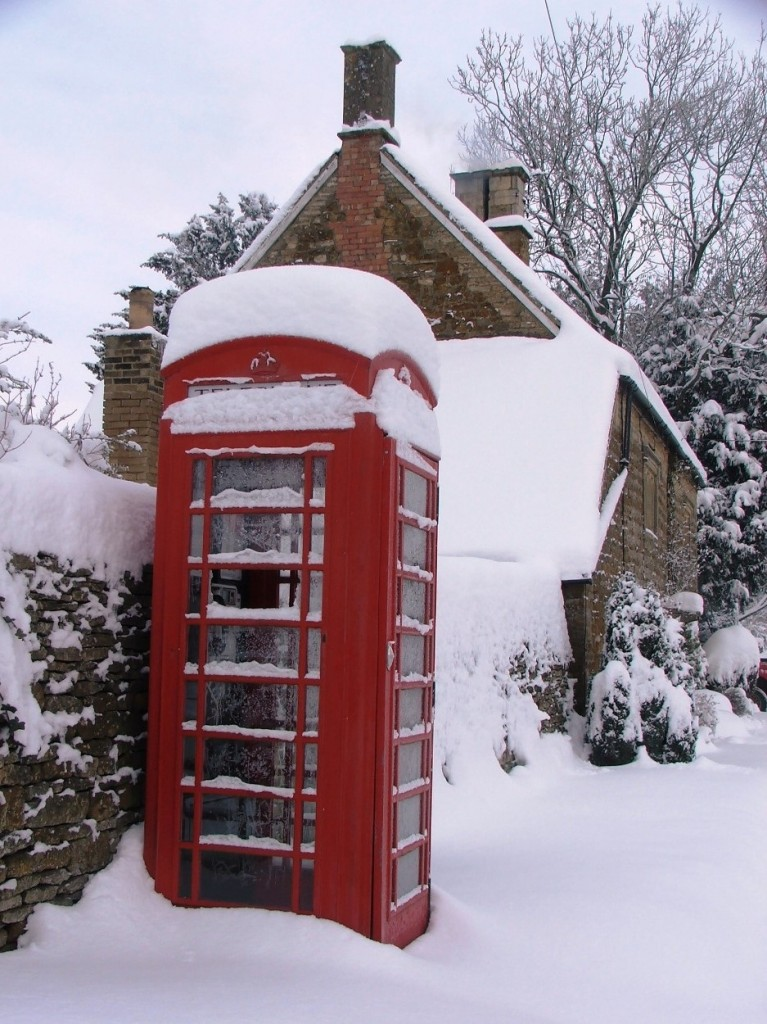 "Kingham's K6 phonebox featured on the cover of""The British Phonebox"""
