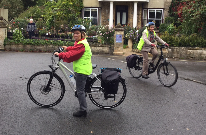 Cotswold garden e-bike holiday